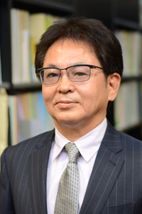写真:広島弁護士会会長 足立 修一